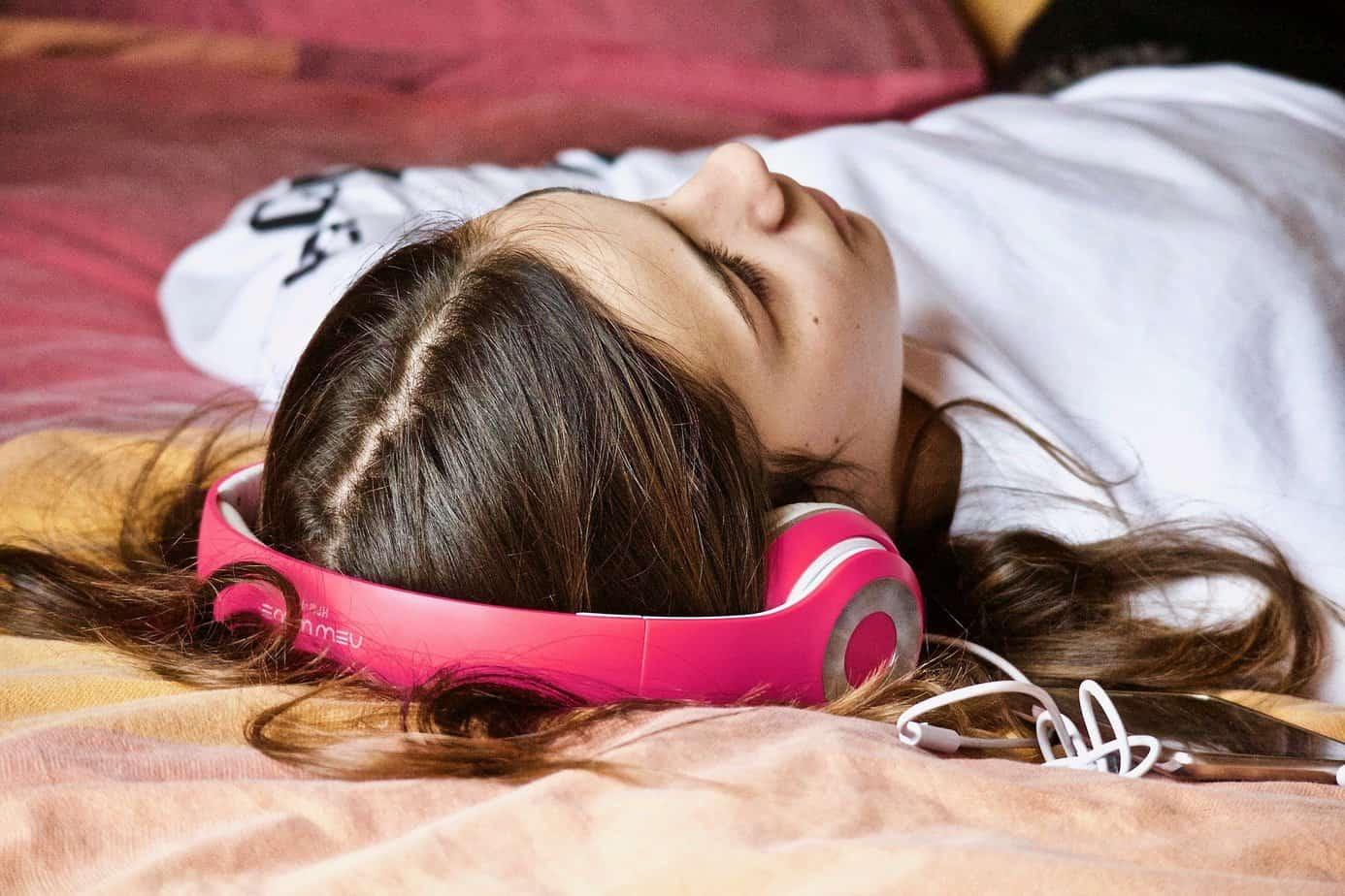 Comment bien dormir avec le son binaural : mode d'emploi et utilisation remede insomnie