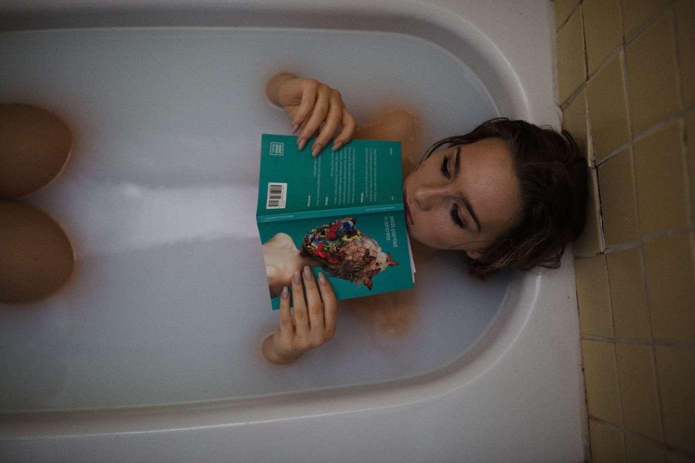 conseil hygiène du sommeil bain lecture remede insomnie
