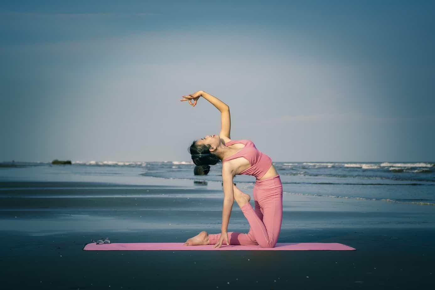 Les 3 meilleures postures de yoga pour dormir remede insomnie