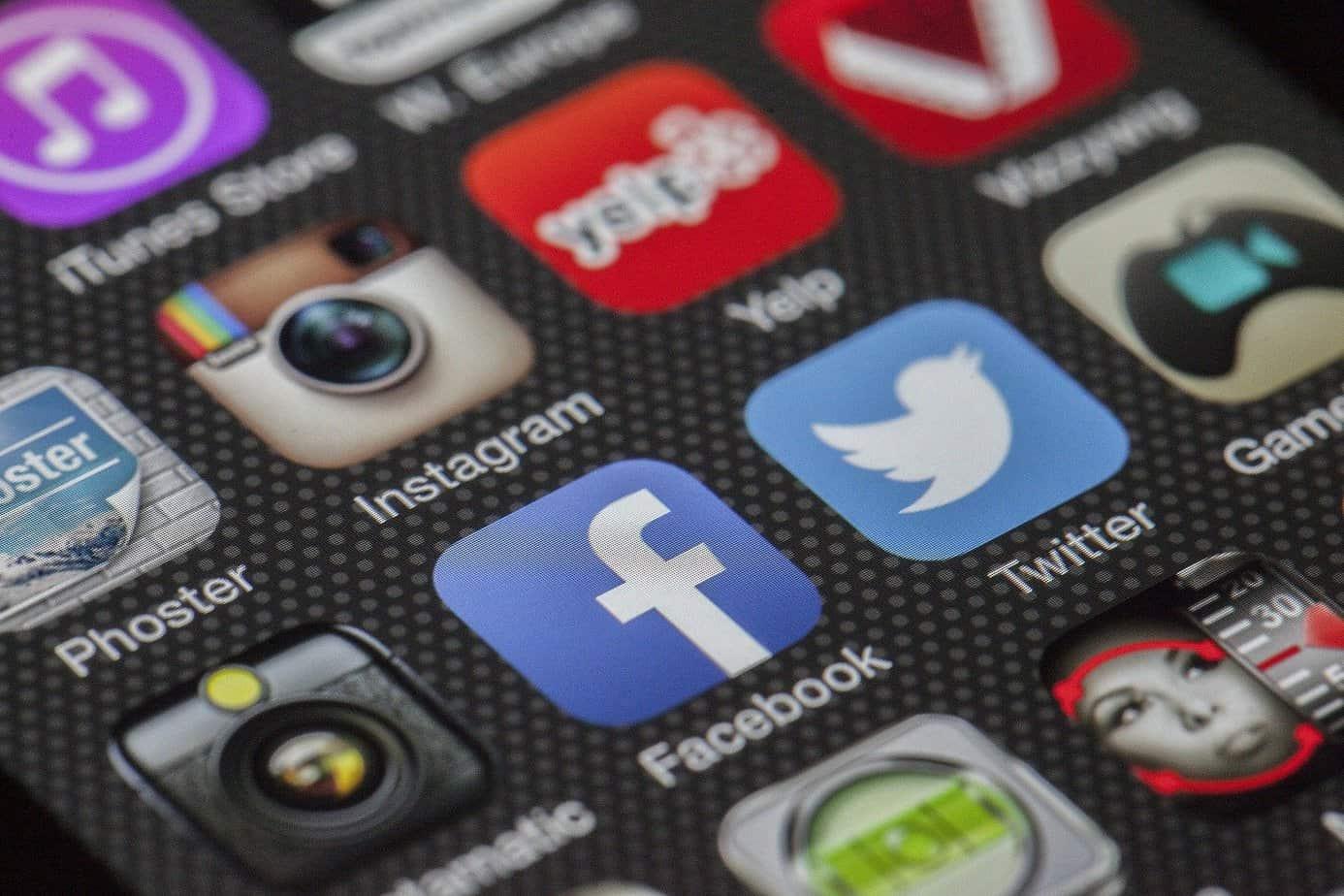 La relation entre les réseaux sociaux et les problèmes de sommeil
